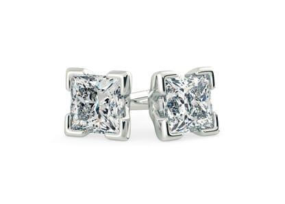 Platinum setting for Princess diamonds