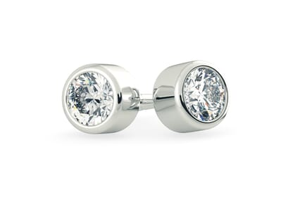 18K White Gold setting for Round Brilliant diamonds