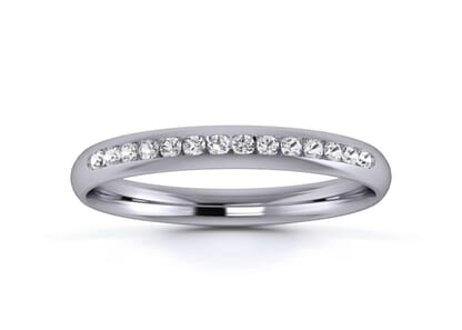2.5mm  wedding ring in platinum